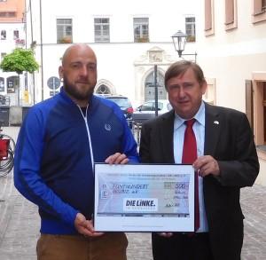 Scheckübergabe an das AKuBiZ aus Pirna
